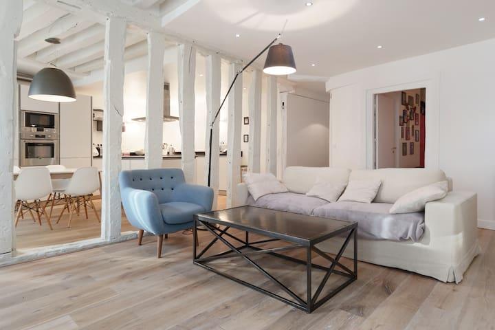 A duplex apartment in Saint-Germain-des-Près