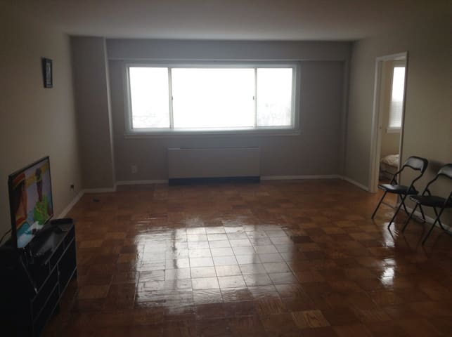 Luxury living on MT. Prospect - Newark - Apartament