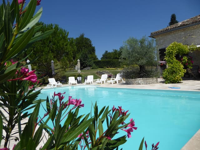Exquisite views, Pool, Vineyards - Montaigu-de-Quercy - Casa