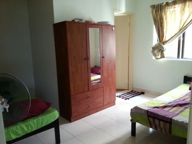 Cosy, low Budget Private Room stay - Kuala Lumpur - Apto. en complejo residencial