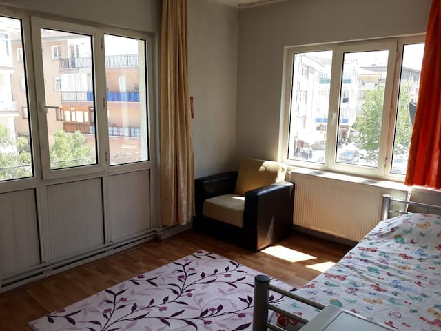 cozy and quite room in city center close to metro