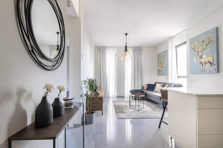 Comfortable and new flat in city center