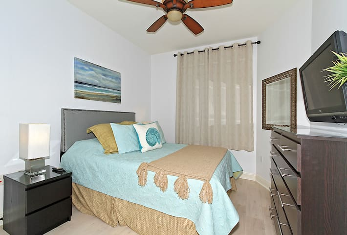"""This room has a King Size Bed (Or we can make it up as 2 Twin Beds. Bureau has 10 draws and two closets.  Guest Room has 32"""" TV"""