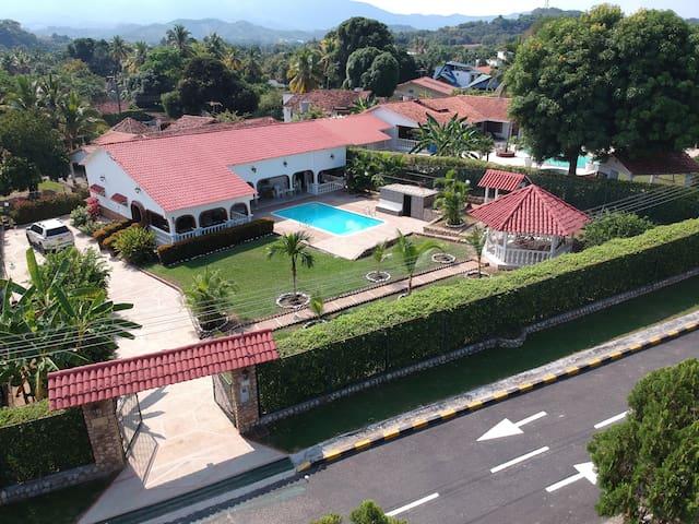 Summer Villa for 20 People
