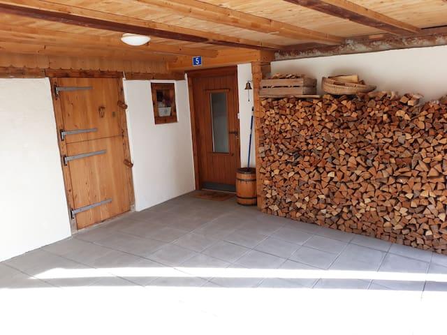 Renovierte Ferienwohnung in Waltensburg/Vuorz