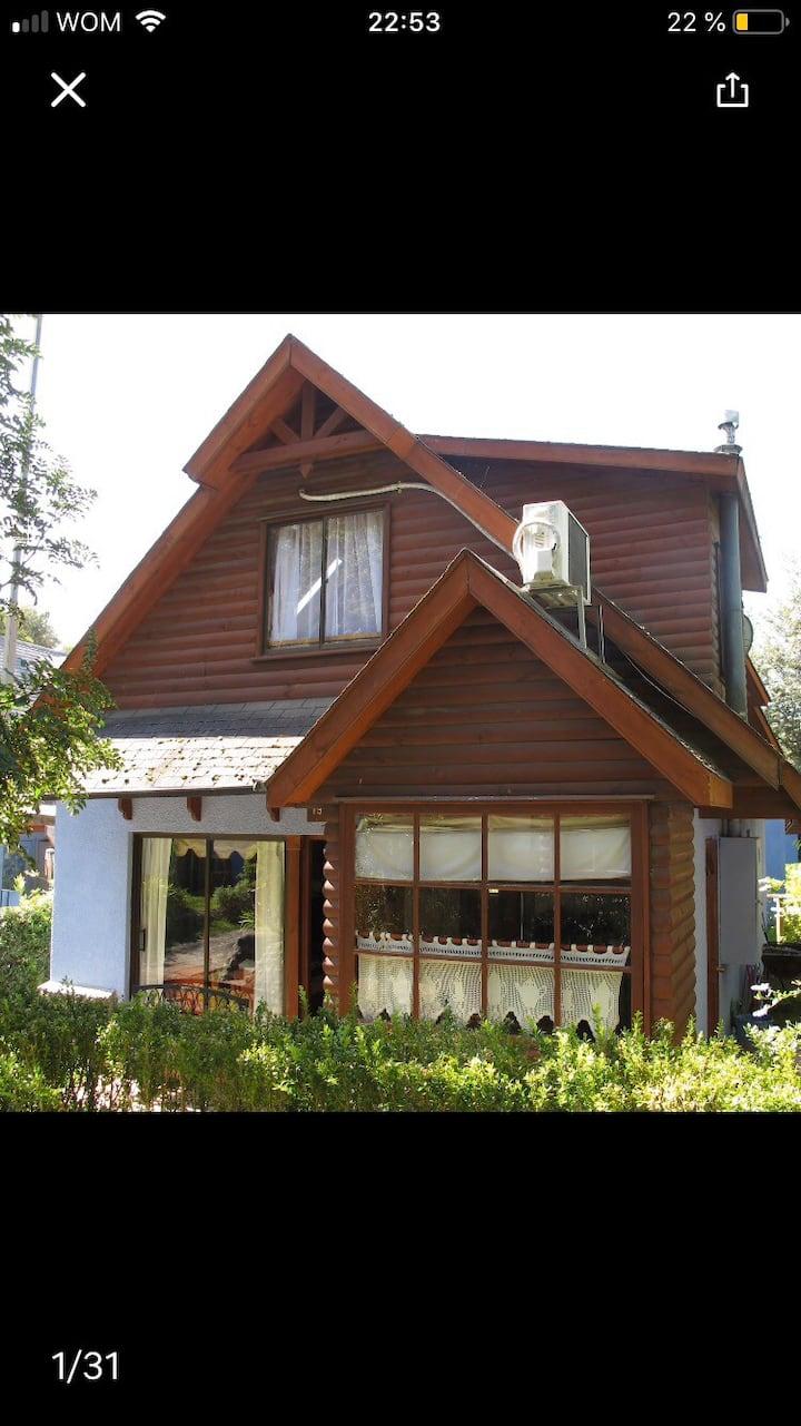 Acogedora casa en condominio jardines de Pucon