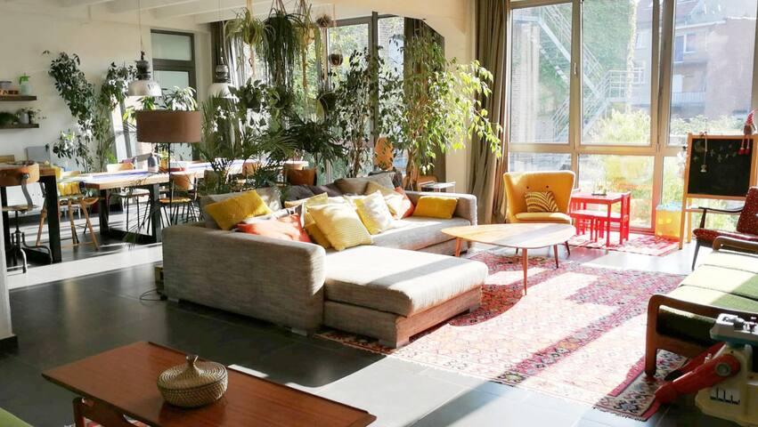 Bright&pleasant apartment-loft of 190 m2