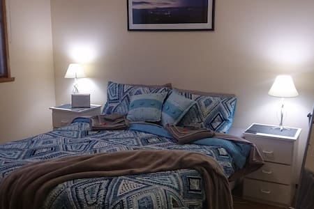 Beautiful Blue Room  in beachside howrah - Ev