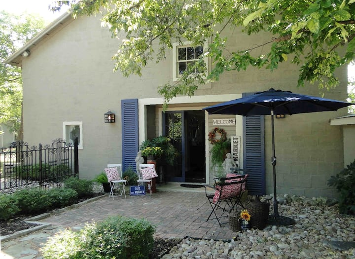 Carriage House,  charming home with river view