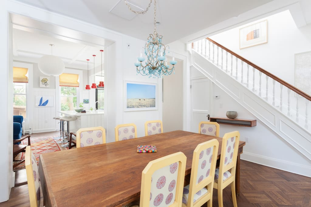 Open dining room between kitchen and living room
