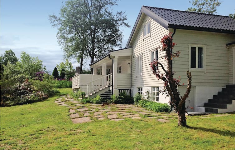 Holiday cottage with 3 bedrooms on 70 m² in Skodje