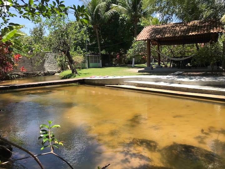 Casa no sítio, sossego e belo rio para refrescar!