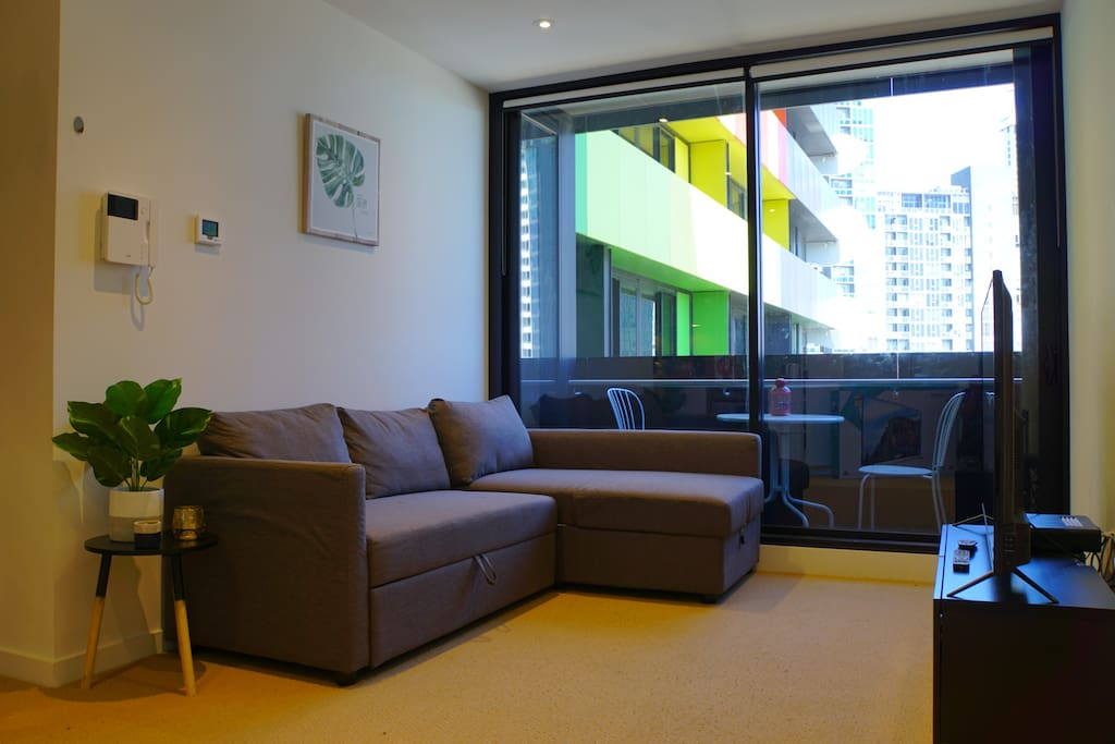 Spacious Lounge with comfortable sofa bed