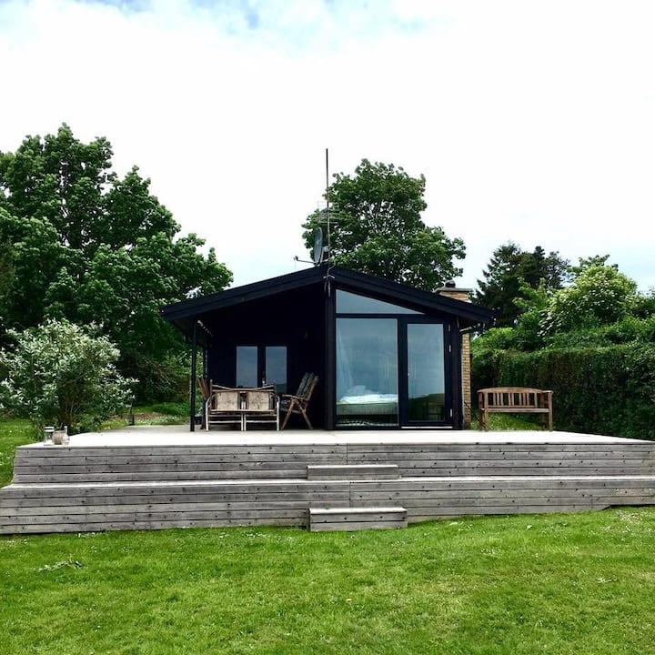 Sommerhuset Lillely. 180˚ havudsigt 1 time fra KBH