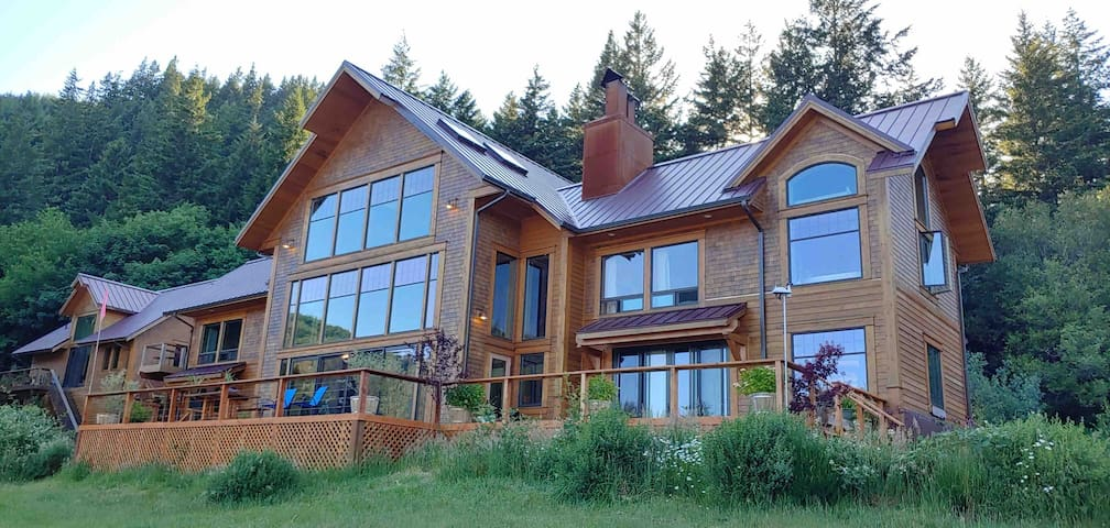 Elk River property, Copper room with steam room!