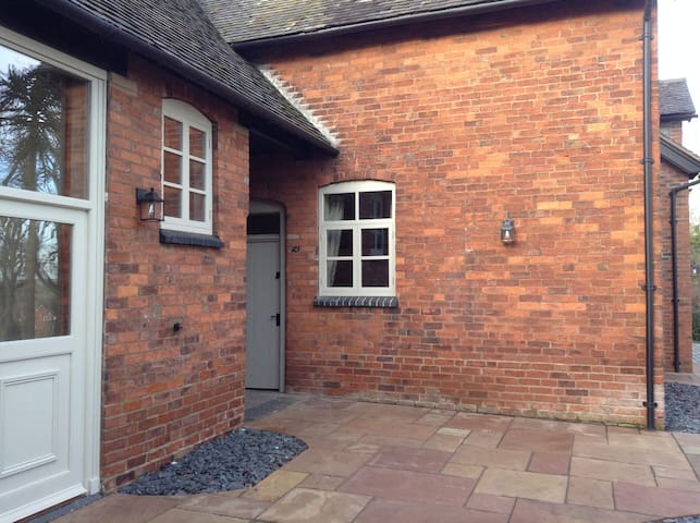 Woodleighton Cottages - The Old Stables - Uttoxeter - Huis