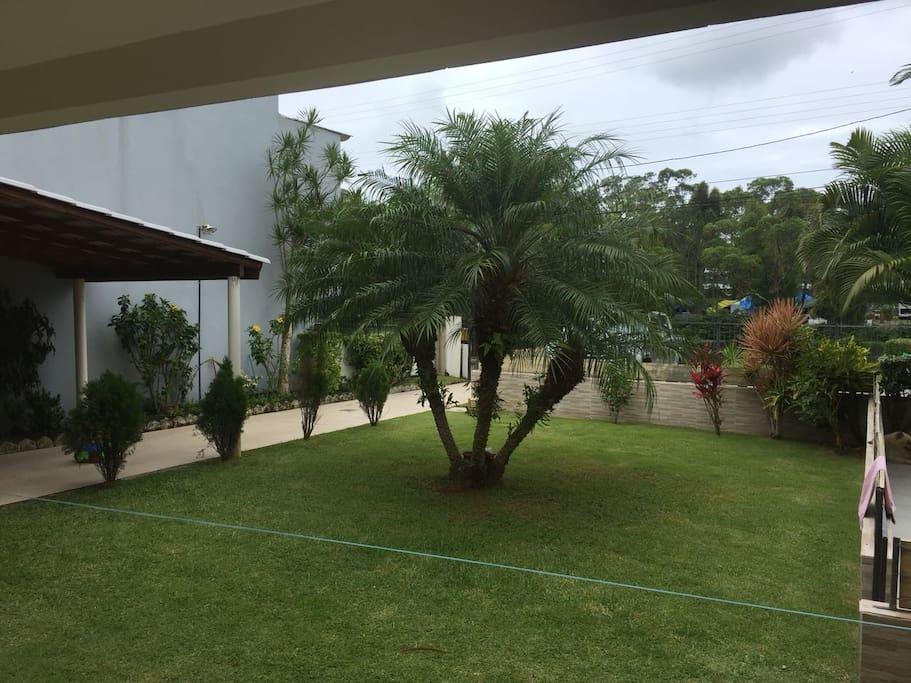 Você terá esta vista ao acordar, temos um agradável Rio em frente a casa.