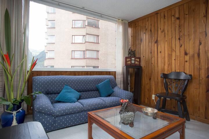 Apartamento con vista a monserrate único piso 17
