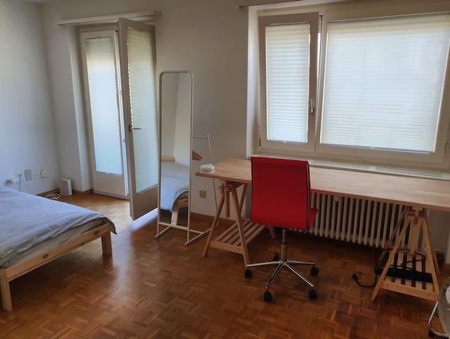 1 Zimmer-Wohnung Zürich, 35m2, für 1 oder 2 Perso.