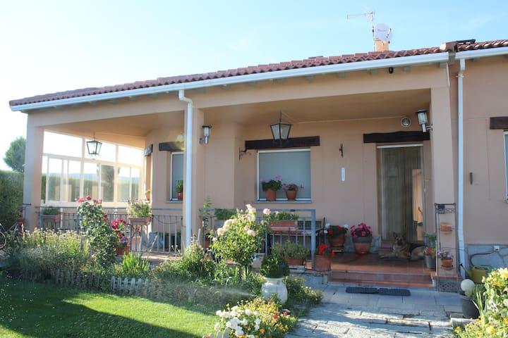 """Casa rural """"Los Campos"""" a 14 kms de Avila"""