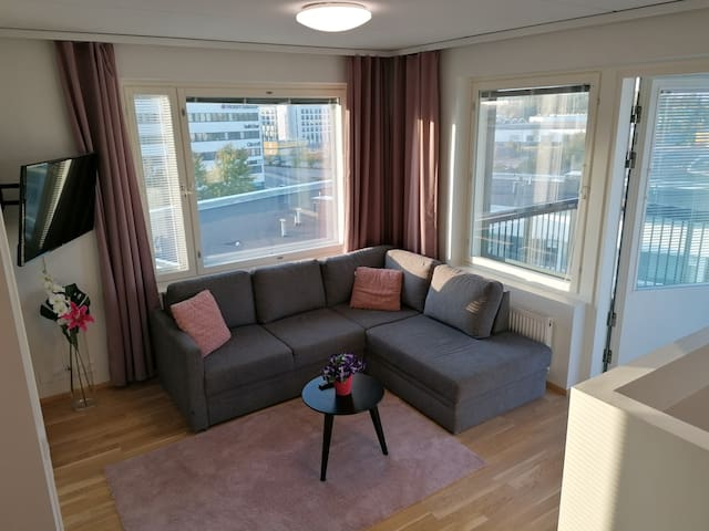 AIRPORT FREE PARKING 2 BEDROOM, SAUNA, BALCONY