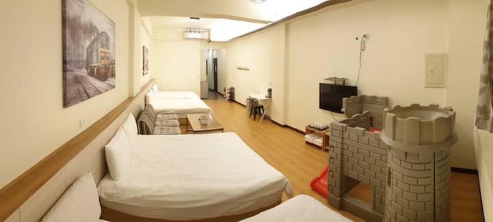 宜蘭羅東夜市幸福YES B&B旗艦館 經典系列家庭同樂八人房(合法住宿編號0235號)