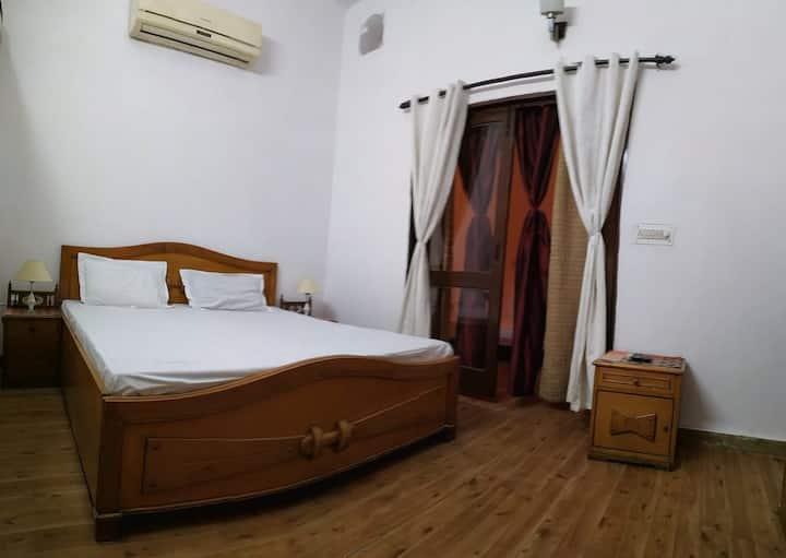 2 Bedroom Independent Floor , Fully Furnished.