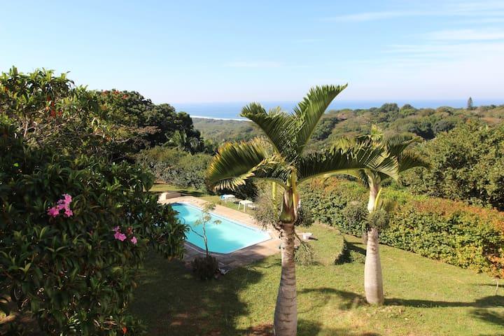 Pumula Retreat - Balcony View Room