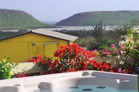Amazing View with jacuzzi,privacy, SUV and comfort - Domek parterowy