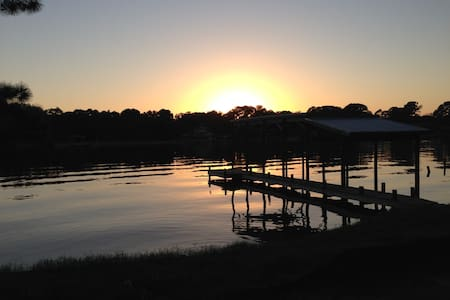 Luxury Living on Cinco Bayou - Ház