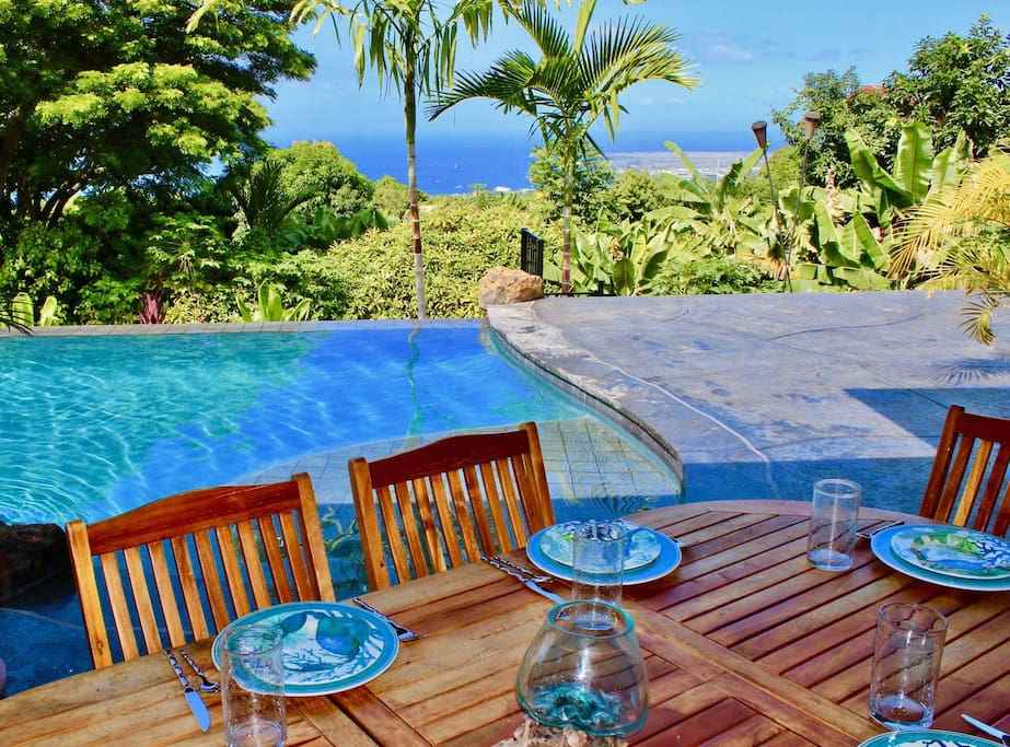 Outdoor Poolside Dining with Ocean Views