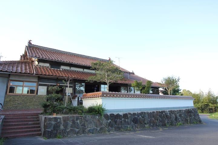 アサリハウス : 山陰の古民家ゲストハウス・コワーキングスペース/ Asari-House