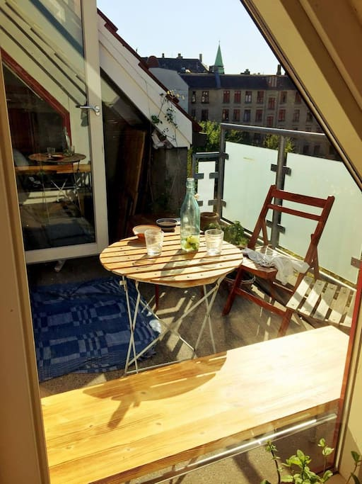 The balcony has sun from 1.30pm till sunset. Room for 5-6. Even though we are located at the very center of Nørrebro, the nearby streets are quiet.