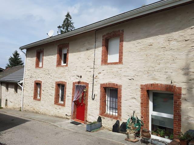 Maison de campagne, Monts de Lacaune, Tarn, France