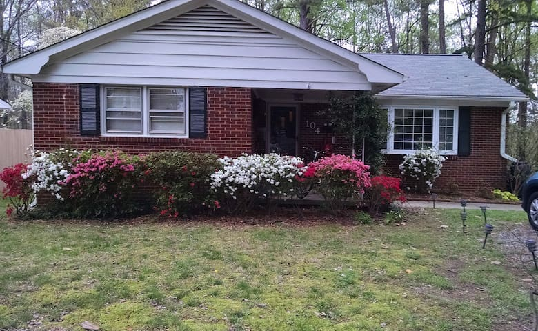 Lovely 3br Carrboro home!