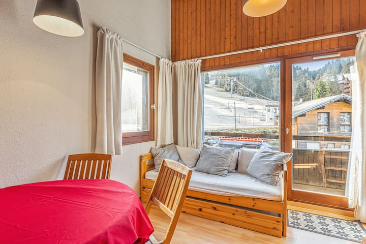 Apartment with 2 bedrooms in Morillon, with wonderful mountain view and terrace - 100 m from the slopes