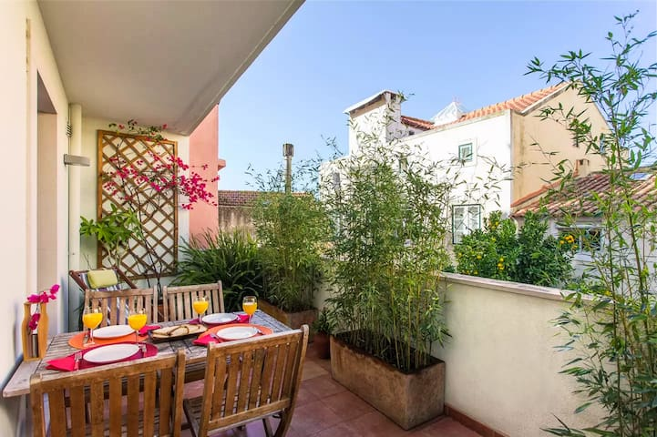 Perfect terrace for relaxing, eating out and enjoying the sun!