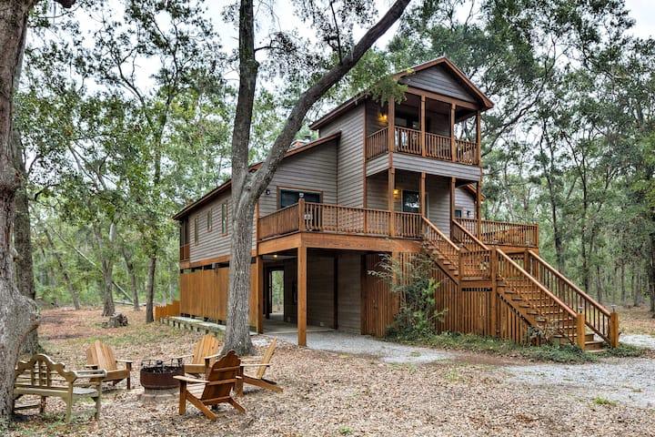 Private Edisto Island House w/3 Decks & Huge Yard