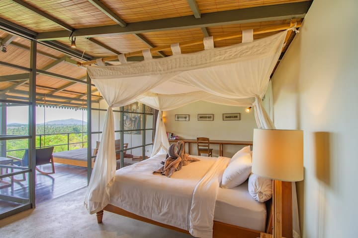 Luwih 2, romantic room with a view and shared pool