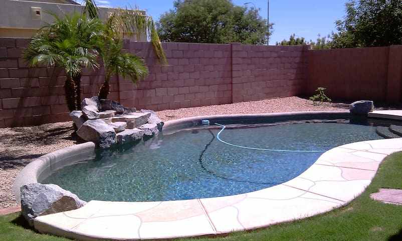 3 Beds and a Pool - Winter Escape - Chandler - House