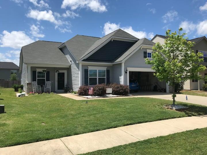 Newer home in quiet neighborhood in Sumter, SC