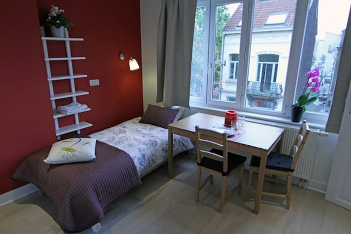 Studio near EU, Schuman&Madou V1G - Saint-Josse-ten-Noode - Huis