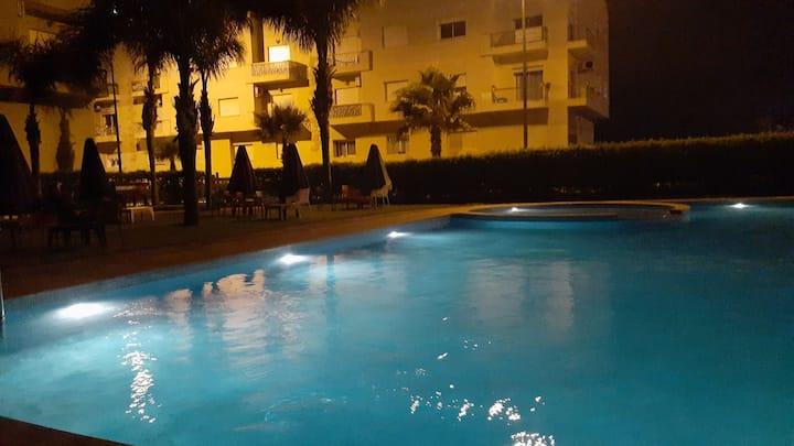Logement équipé avec piscine, à 2min de la plage🌈