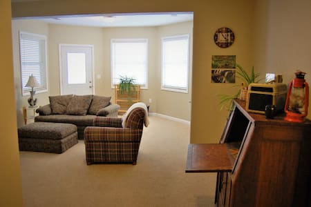Quiet Apartment on farm, near Boulder and Erie - Longmont - Serviced apartment