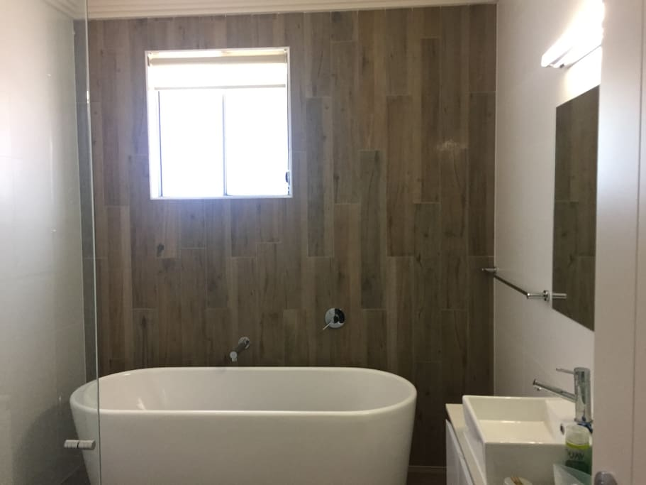 supersize bathroom