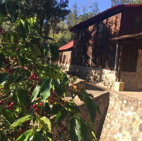 Cabaña equipada a 10 minutos de la Antigua Guate.