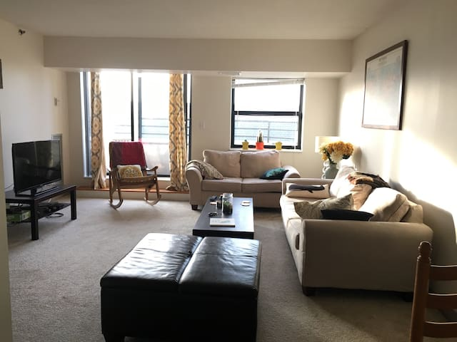 Spacious 2BR 2BA, easy location! - Cambridge - Apartamento