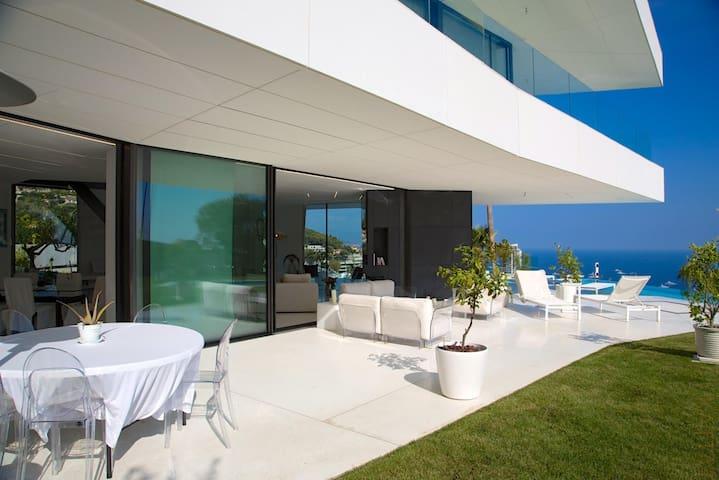 7 Bed Designer Villa overlooking Monaco
