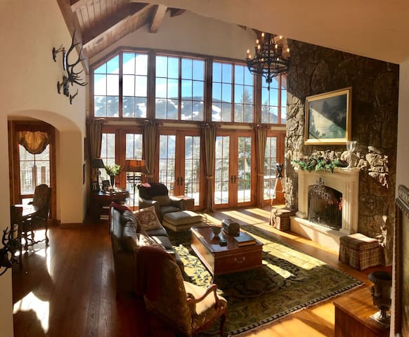 VAIL CHALET LIVING ROOM