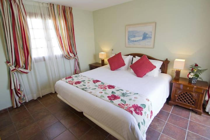Rooms for rent on the airport, Tenerife south